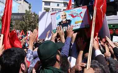 تصاویر مراسم تشییع پیکر سردار شهید حسین همدانی در تهران
