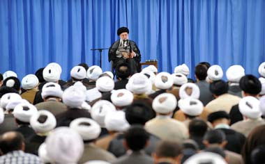 مهمترین وظیفه روحانیون؛ پاسخ به شبهات و مقابله با نقشه دینزدایی