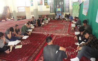 مراسم معنوی اعتکاف در مساجد منطقه قهاوند برگزار شد