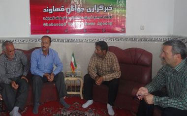 نشست صمیمی با حضور آزادگان سرافراز منطقه قهاوند برگزار شد