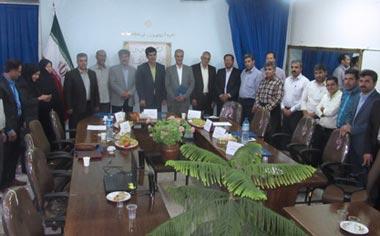 نشست صمیمی رؤسای سابق اداره آموزش و پرورش منطقه قهاوند برگزار شد