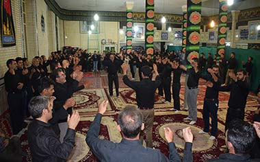 مراسم سوگواری روز عاشورا و شام غریبان امام حسین (ع) در شهر قهاوند برگزار شد